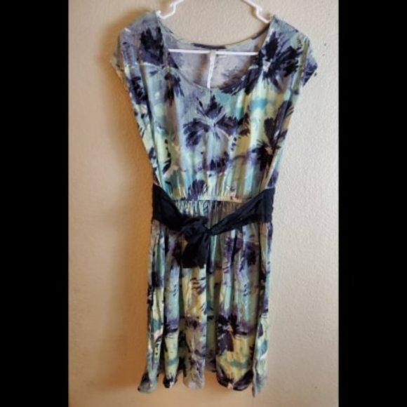 LC Lauren Conrad Dresses & Skirts - Lauren Conrad Green Tie Dye Boho Floral Dress